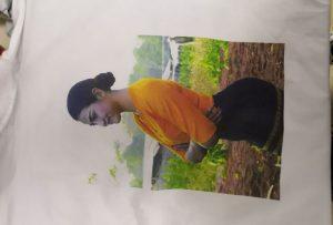 Échantillon d'impression de T-shirts pour un client birman provenant d'une imprimante WER-EP6090T